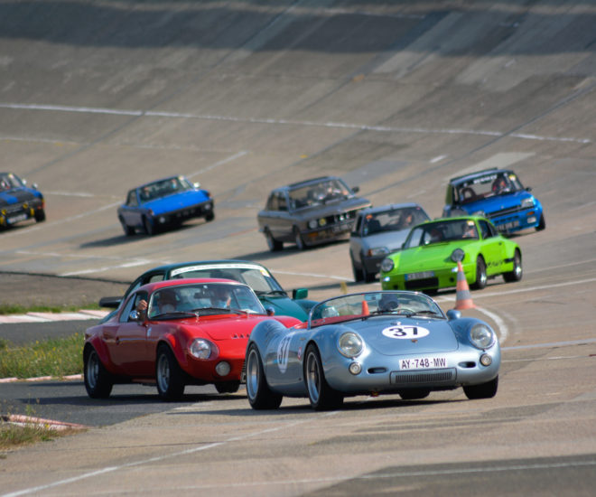 Driving events Linas-Montlhéry motor-racing circuit and the Mortefontaine in Paris